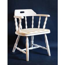 Biały drewniany fotel