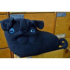 czarny mops poduszka , pluszowy piesek, mopsik