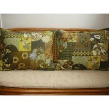 Dekoracyjna poduszka odcienie zieleni brązu