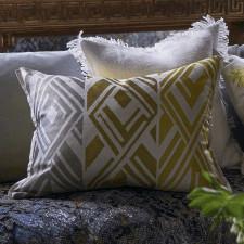 Elegancka oduszka Designers Guild z geometrycznym wzorem 60x45 cm