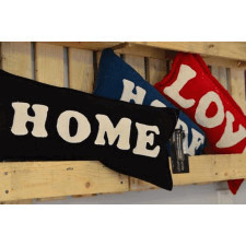 Poduszka Home Hug Me Love Kisses