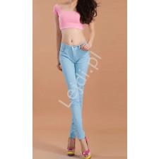 Jasno niebieskie spodnie rurki, obcisłe jeansy niebieskie